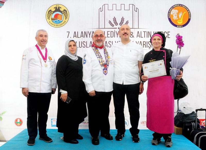 Ardeşen'in Laz Böreğinin Ünü Akdeniz'e Kadar Ulaştı
