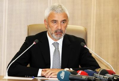 AK Parti Doğu Karadeniz'de Sıkıntılı Süreç... Bld. Bşk.İstifa Etti