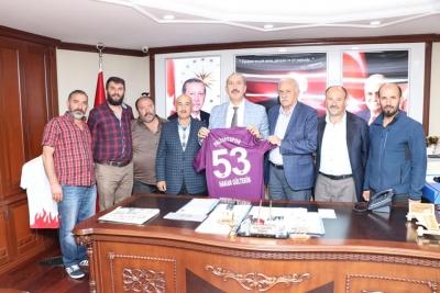 Ardeşen Bld. Bşk. Hakan Gültekin'den Palivatspor'a Tam Destek