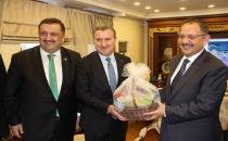 Çevre ve Şehircilik Bakanı Mehmet Özhaseki Rize'de