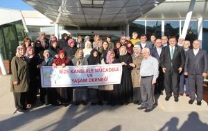 Rize'de 30 Kanser Hastası Kutsal Topraklara Gidiyor