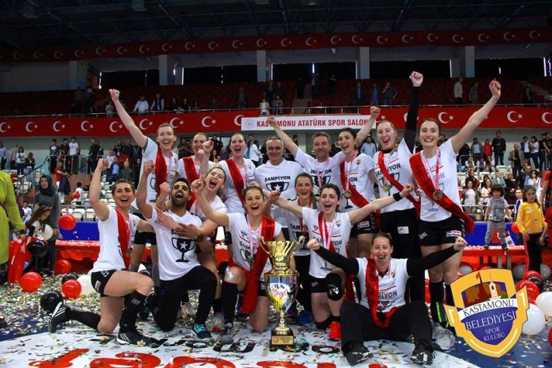Hentbol Kadınlarda Şampiyon Kastamonu Belediyesi Oldu