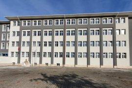 Ardeşen'de İMKB İlkokulu Dış Cephesi Yenilendi
