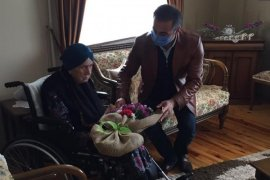 Kaymakam Alibeyoğlu Asırlık Çınarları Ziyaret Etti