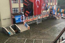 AK Parti Kongresinin Okulda Yapılmasına Tepki