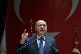 Erdoğan'dan Uyarı: Efendi Değil Hizmetkar Olun