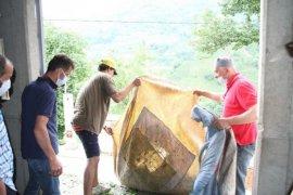 Rizeliler, Antalyalı Genç Çay İşçilerini Sevdi