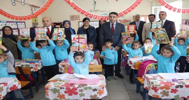 Rize'de Köy Okullarında Kitap Seferberliği