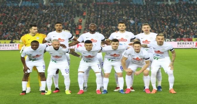 Çaykur Rizespor Trabzon'a İkinci Yarıda Direnemedi