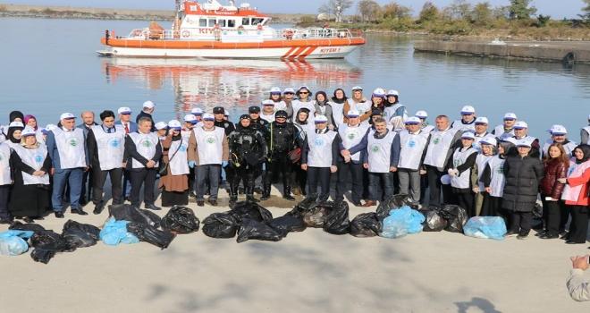 Sıfır Atık Mavi Sloganıyla Çöpler Toplandı