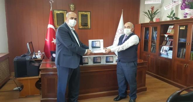 Tunca Belediyesi'nden Öğrencilere Tablet Hediye Edildi