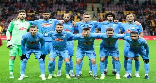Rize'yi Hakem Yaktı... Galatasaray Çeyrek Finalde
