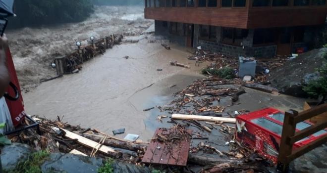 Meteoroloji'den Rize'ye Şiddetli Yağış Uyarısı