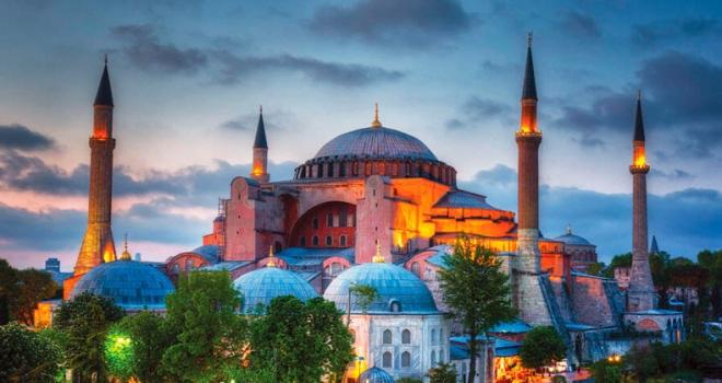 Ayasofya'yı Kilise Yapmayan Atatürk'e Müteşekkeriz